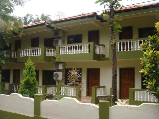 John 39 s highland comfort majorda goa guesthouse - Guest house in goa with swimming pool ...