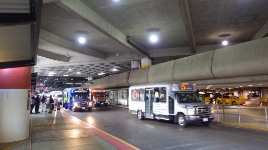 Americas Best Value Airport Inn: 空港のここで電話をかけます