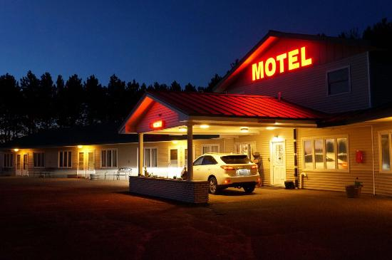 Country Villa Motel and Country Camping