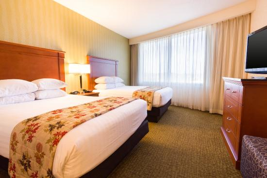Drury Plaza Hotel Nashville Franklin: Deluxe Oversided Queen Guestroom