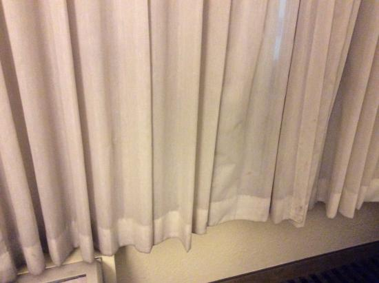 Holiday Inn Mobile West I-10: Clean or replace these nasty curtains  Don't know what these stains are