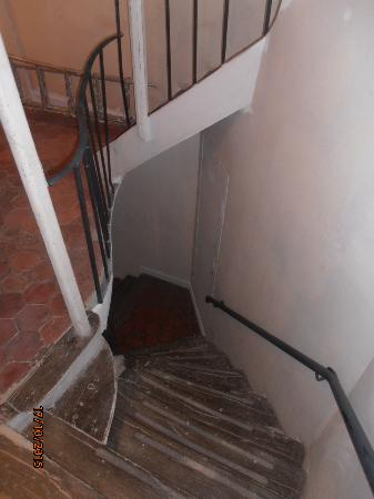 Special Apartments : Steep steps from the apartment