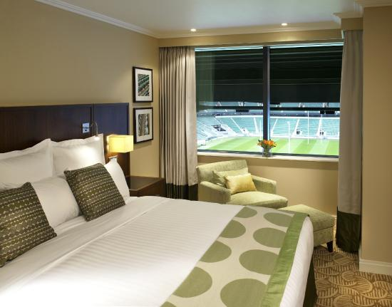 London Marriott Hotel Twickenham: Pitch View Suite