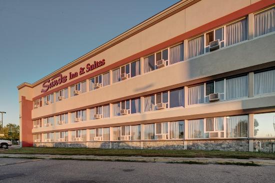 Sands Inn & Suites: Exterior