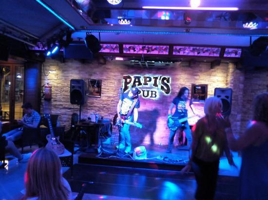 Papis Pub, Torrenova, Mallorca, Spain. Great night out. - Foto di Bar Pa...