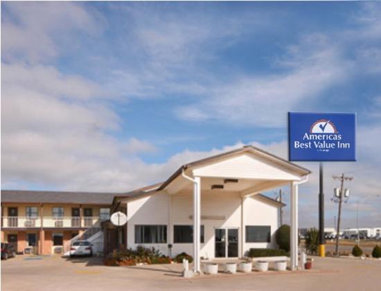 Americas Best Value Inn- El Reno : Exterior