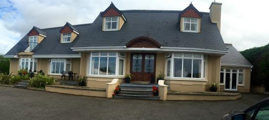 Castlegregory, Irlanda: Front of B & B
