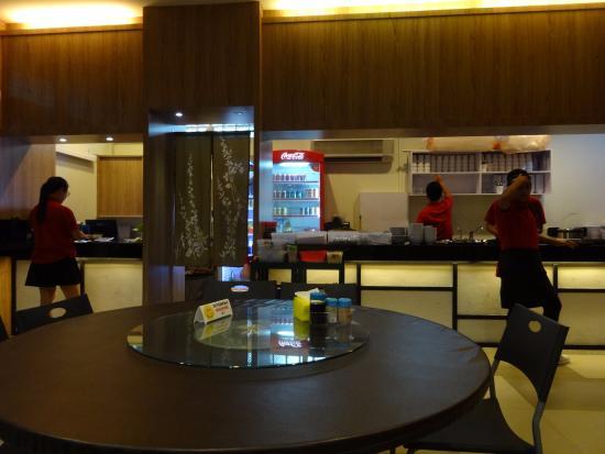 sembulan lobster restaurant cashier counter