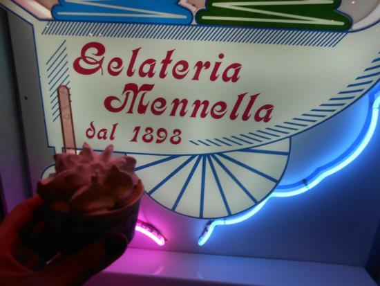 Gelateria Mennella: Вывеска