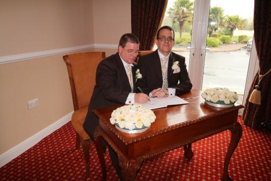 Southview Park Hotel Signing Of The Register Hamilton Suite