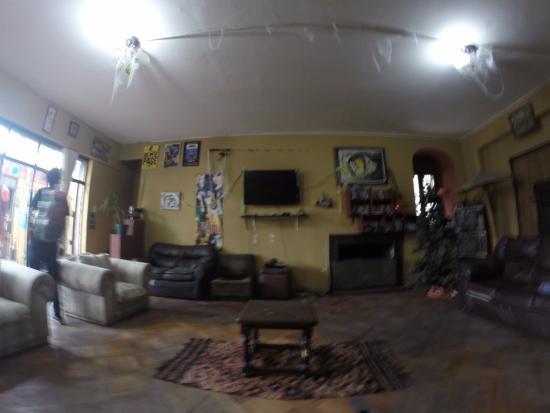 Moai Viajero Hostel: Sala de convivência