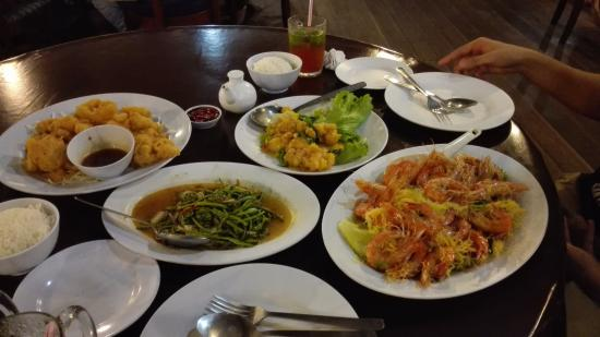 Dragon Seafood Restaurant The Food We Ordered Rm160 4 People Could Easily Finish