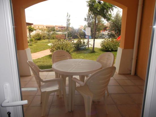 mobilier de jardin sur petite terrasse - Photo de Lagrange Vacances ...