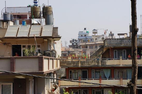 Hotel Ganesh Himal : Вид с веранды