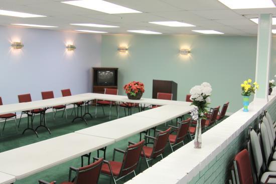 Knights Inn Mineral Wells: Meeting Room