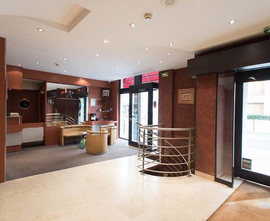 Pavillon porte de versailles hotel paris france voir for Trouver un hotel a paris