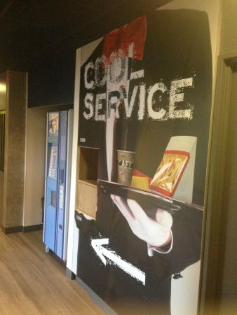 Ibis Budget Hyeres Centre Ville : Espace Snacking