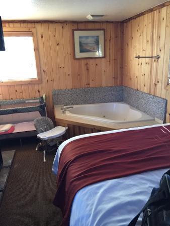 Big Bear Frontier Cabins : photo6.jpg