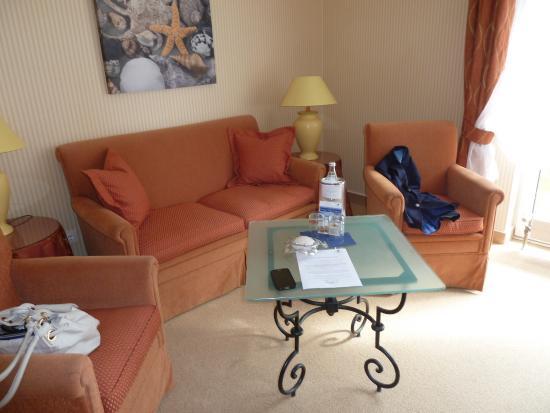 wohnbereich picture of strandhotel sylt westerland tripadvisor. Black Bedroom Furniture Sets. Home Design Ideas
