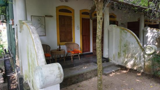 Nooit Gedacht Heritage Hotel : вход в номер