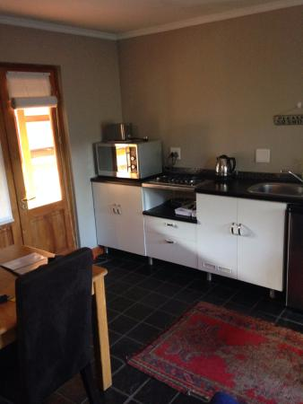 Hillview Self-Catering Apartments: Kitchen room