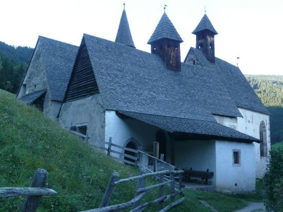 Barbiano, إيطاليا: Ansicht 3 Kirchen