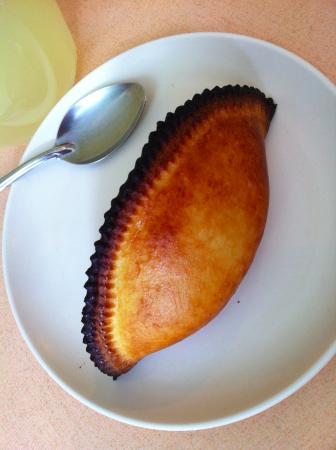 Pacena La Saltena: Salteña Vegetariana