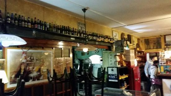 Benny's Pub