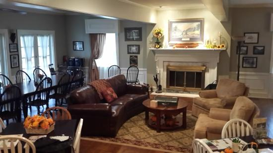 Chilhowee Inn: the great room