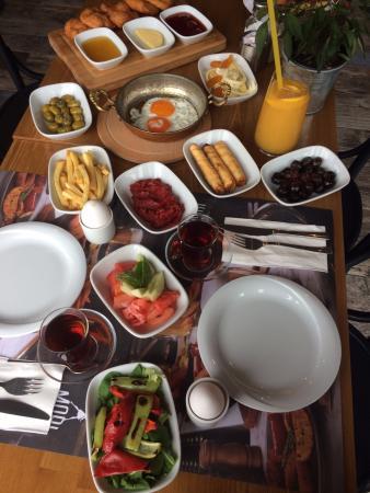 Mori Bistro: superb breakfast