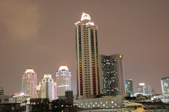 J Two S Hotel: вид с 7 этажа