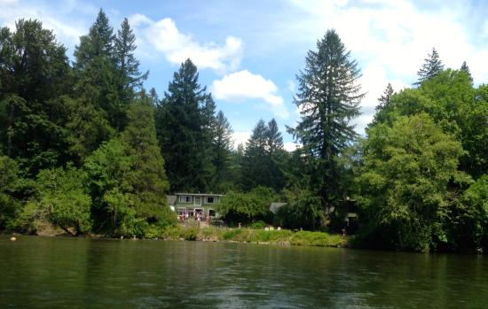 McKenzie River Inn Lodging & Fine Dining