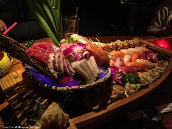 Naugatuck, Κονέκτικατ: sushi boat  http://ivanoffworld.livejournal.com/20520.html