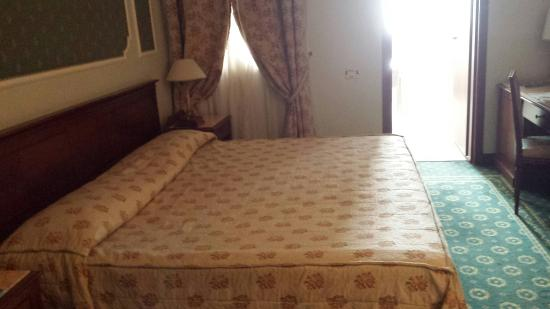 Letto Matrimoniale Grande.Camera Letto Matrimoniale Grande Picture Of Grand Hotel