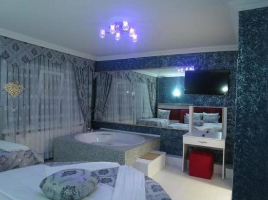 Sky Blue Hotel: Номер
