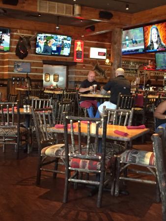 Twin Peaks Restaurants Photo3 Jpg