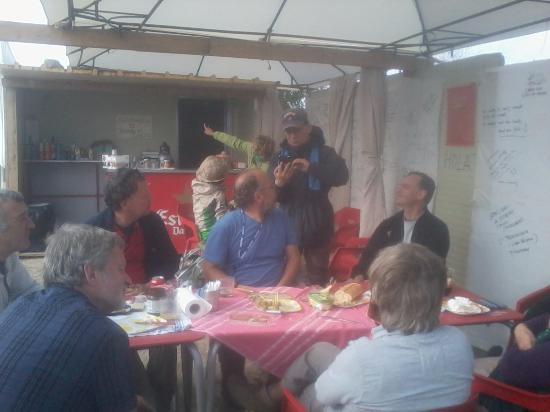Bargota, Espanha: una charla entre peregrinos