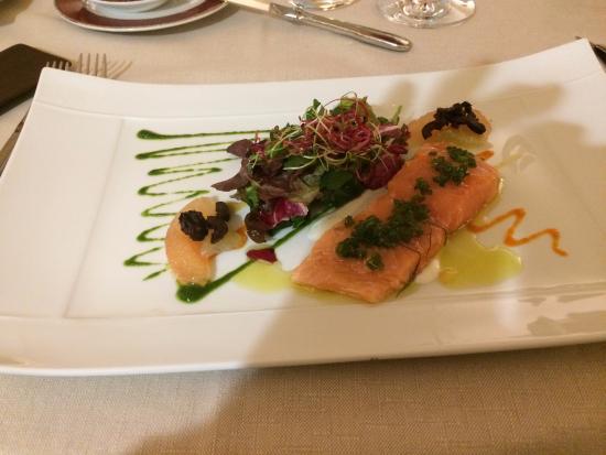 Vault-de-Lugny, France : Filets de saumon cuits basse température