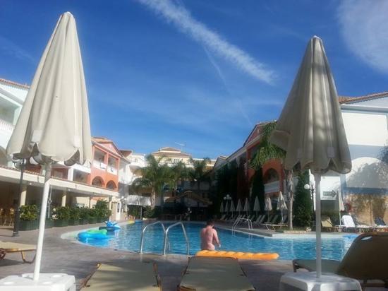 Planos Apart Hotel: Hotel pool