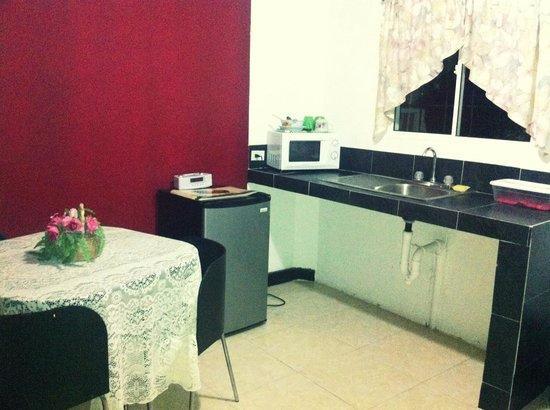 Posada Nativa Trinsan: Cozinha