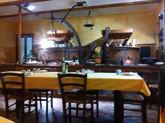 Agriturismo La Cascina dei Cavalli: Sala da pranzo interna