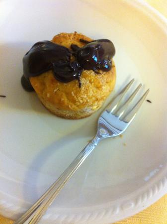Agriturismo La Cascina dei Cavalli: Muffin al cocco e cioccolato fondente