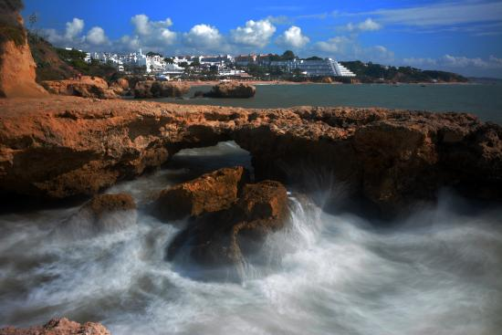 Gale, Portugal : Rocks shaped from waves over years