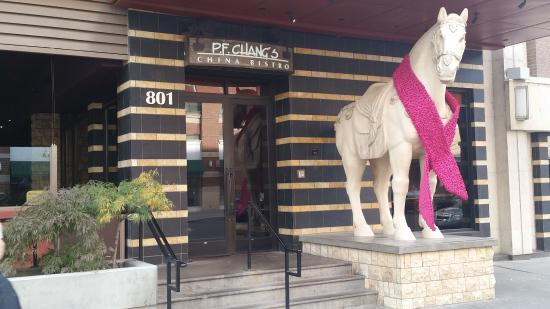 P.F. Chang's: Entrance to PF Chang's
