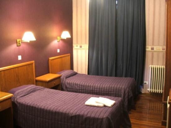 Hotel Dos Congresos: Habitación