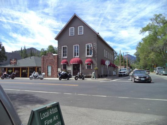 Markleeville, แคลิฟอร์เนีย: OLd hotel in Markleyville