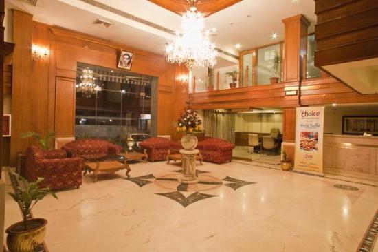 Om Tower: lobby