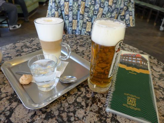 Grand Cafe : coffee latte, staropramen beer