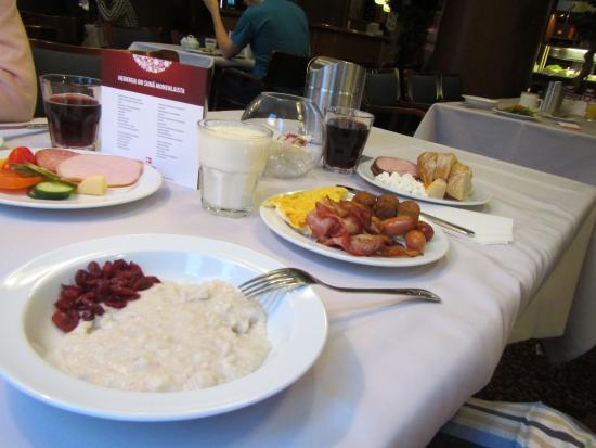 Rantasipi Pohjanhovi: завтрак