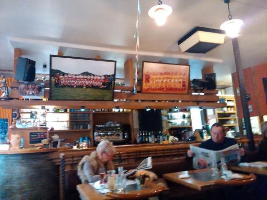 Espalion, Γαλλία: Le bar est dédié aux amateurs de Rugby